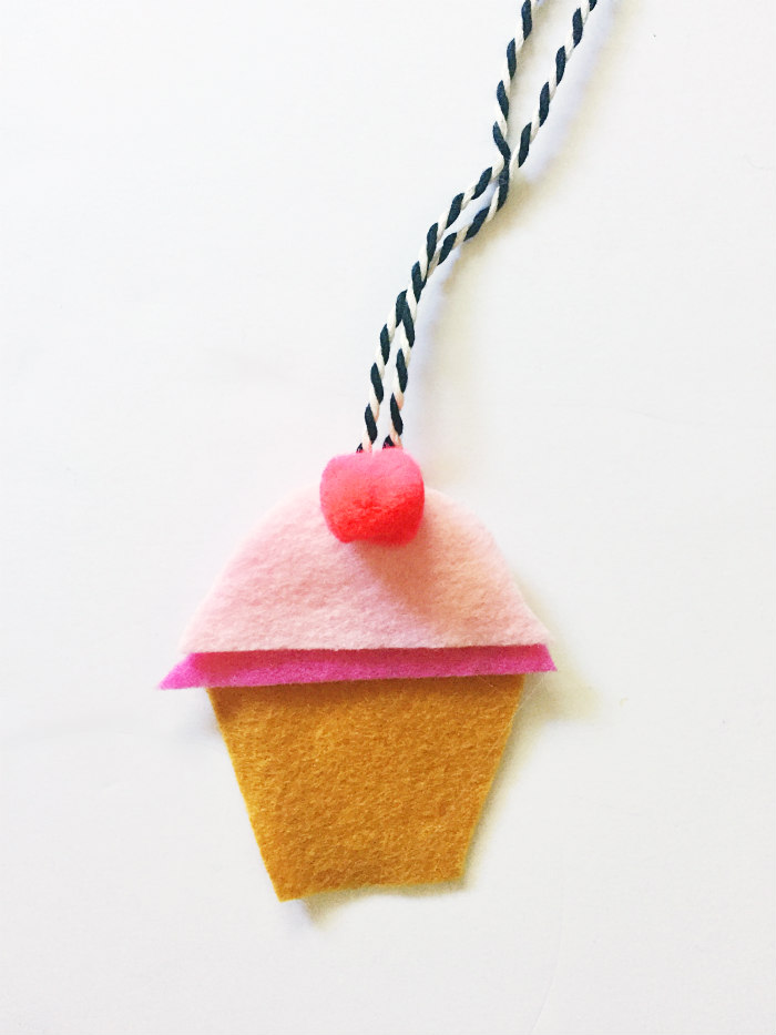 DIY Felt Car Air Fresheners - Cupcake