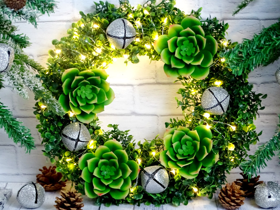 diy boxwood and succulent holiday wreath