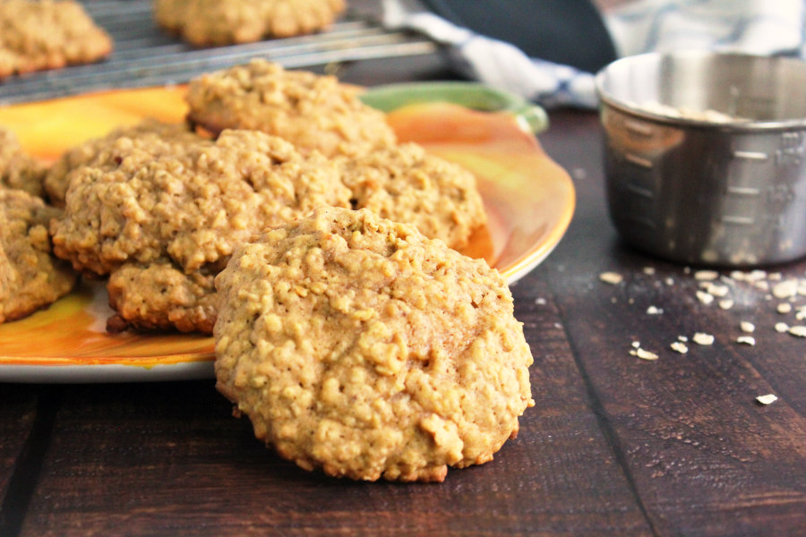 Soft and Fluffy Pumpkin Oatmeal Cookies