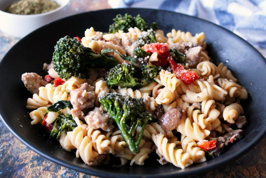 Sun-Dried Tomato and Sausage Pasta with Broccoli and Mushrooms